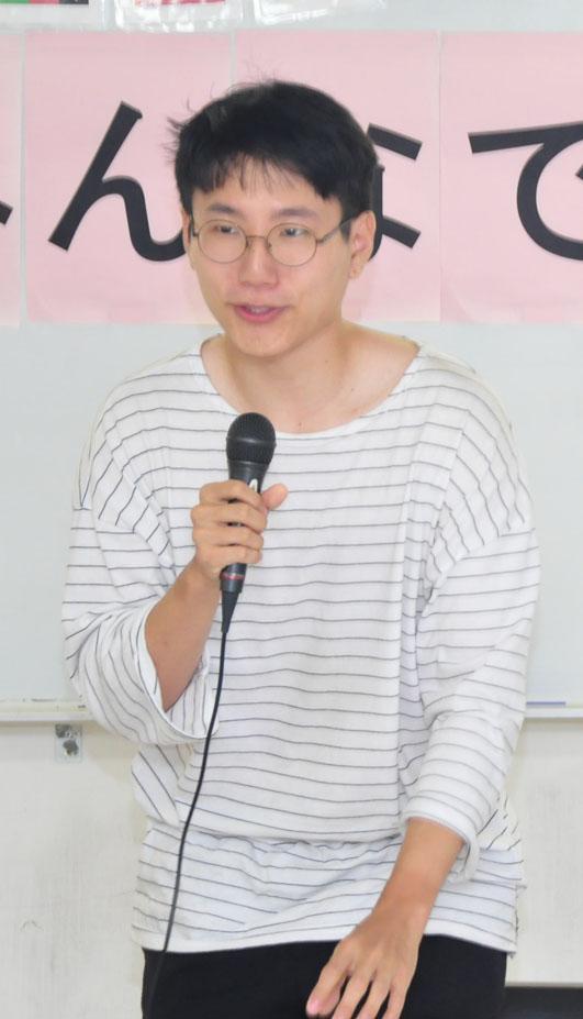 Iさんは韓国料理「ダッドリタン」の作り方を紹介